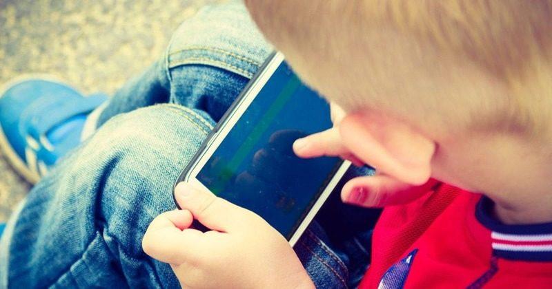 Autismo e cérebro: celulares fazem mal para a saúde e podem provocar autismo virtual